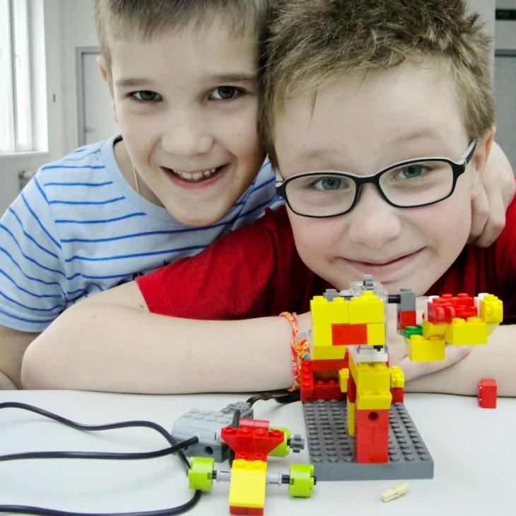картинки лего конструирование и робототехника придерживается